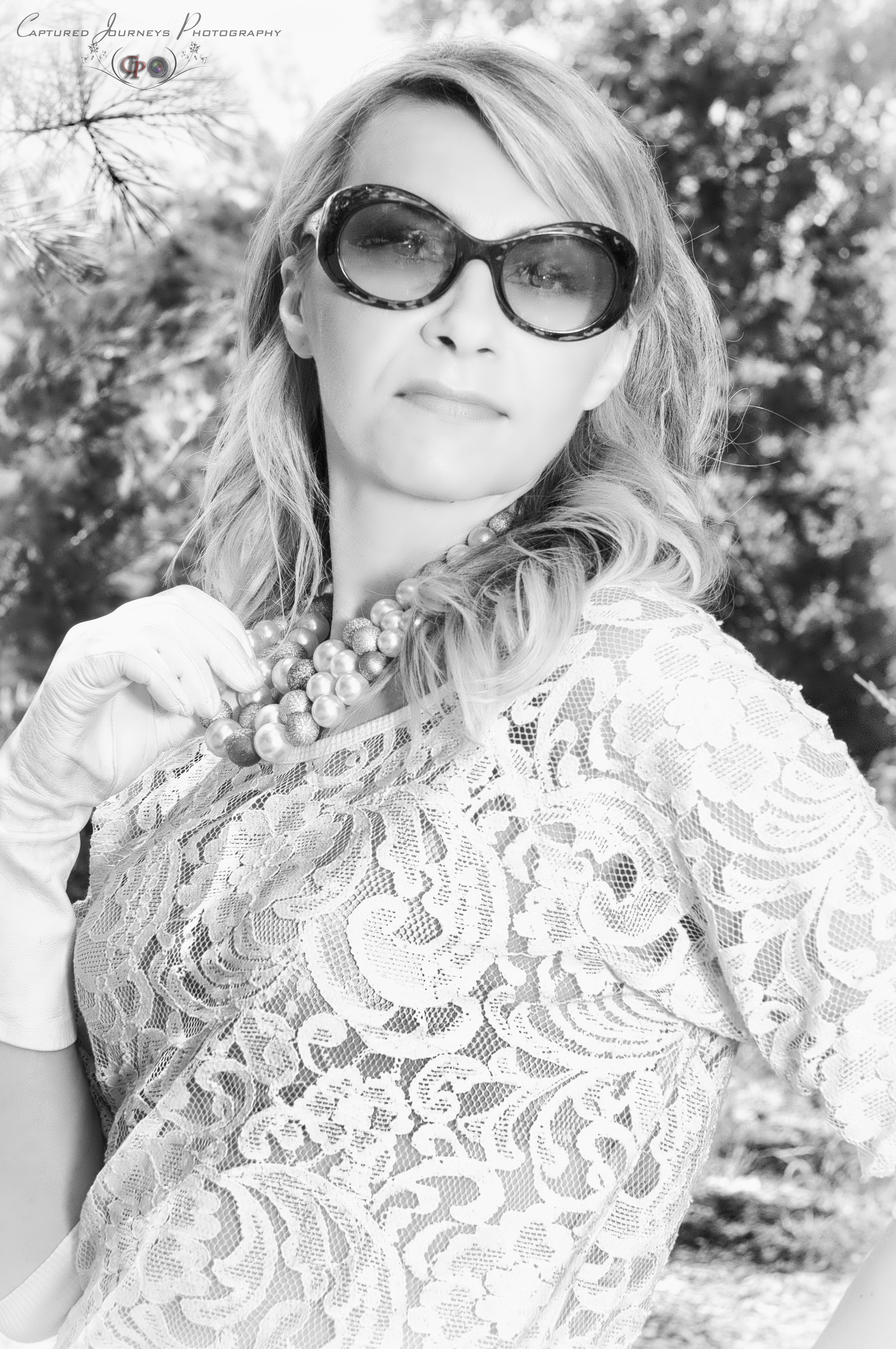 #Hollywood #glamour #pearls #glam #OldHollywood #photo #classicHollywood #ritaHayworth  #glamourHollywood #JackieKennedy style,cat #sunglasses #60's #fashion #pearlswhite gloves #kellySchneider #KalinaSchneider #ChristianLacroixe #sunglasses #vintage