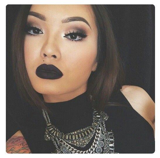 Fly makeup via @FlawlessXY, I guess... #MakeupIdeas #BeatFace #ILoveMAKEUP #XOXO #NotMyPhoto