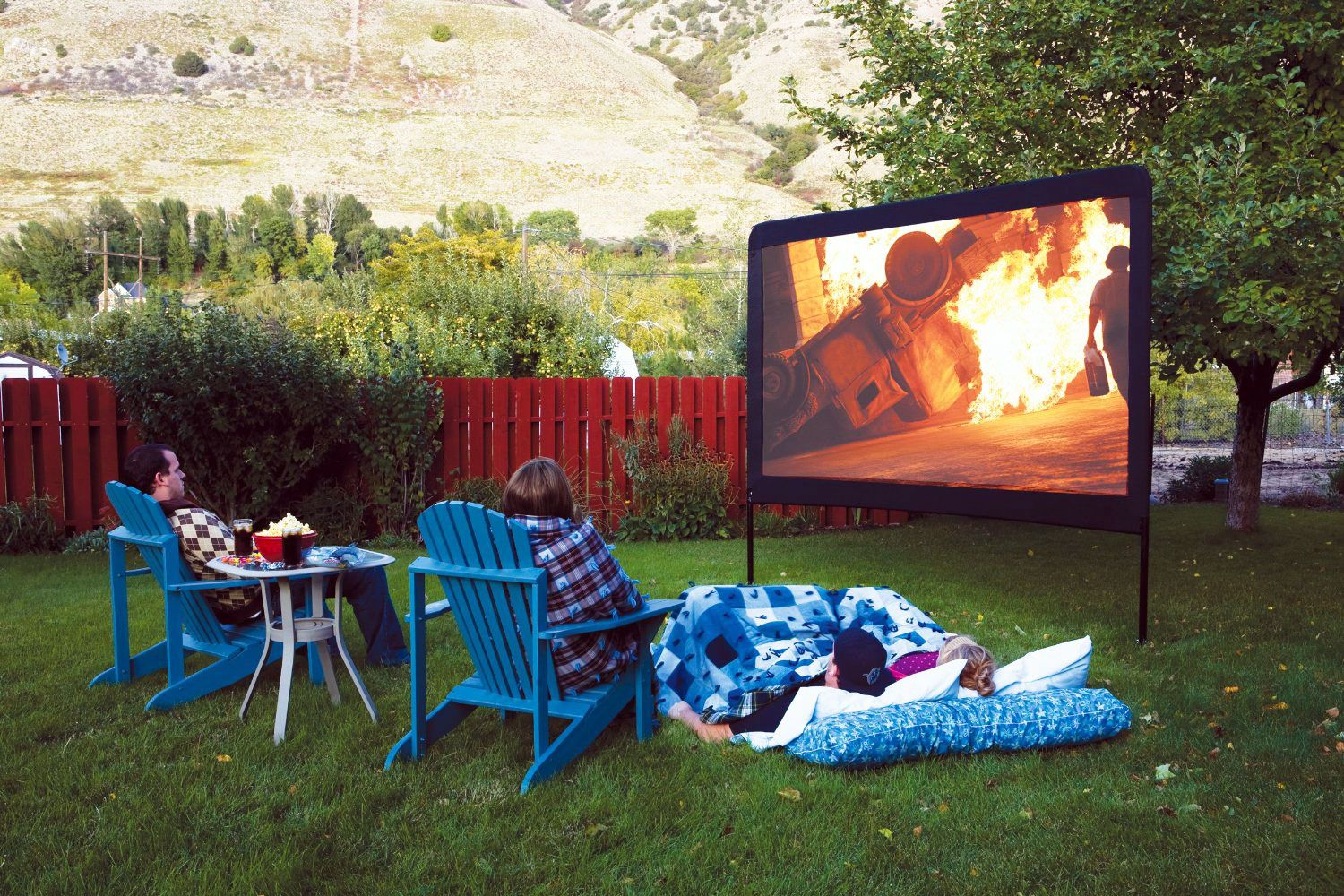 Turn Your Backyard into a Movie Theater | Outdoor movie ...
