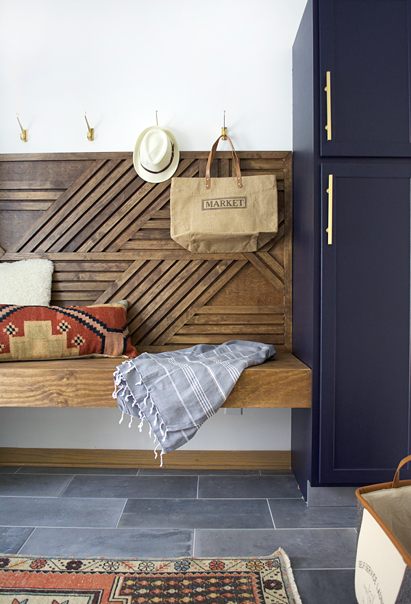 DIY Geometric Wood Feature Wall with Floating Bench #woodfeaturewalls