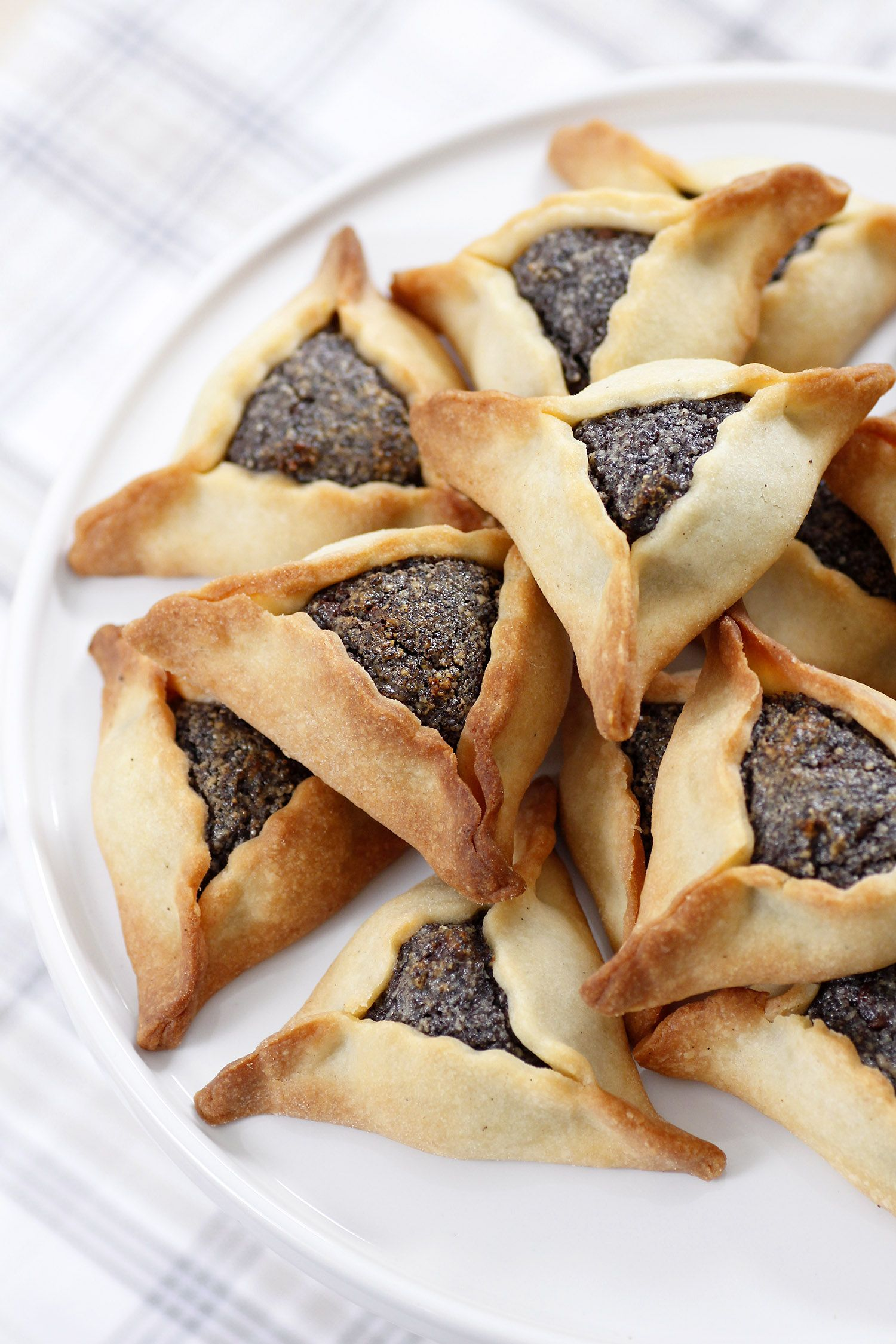 Purim Is One Of My Favorite Holidays Of The Year I Love The Joyous Vibe That S All Around The Colorfulness In The Stre Hamantaschen Food Hamantaschen Cookies
