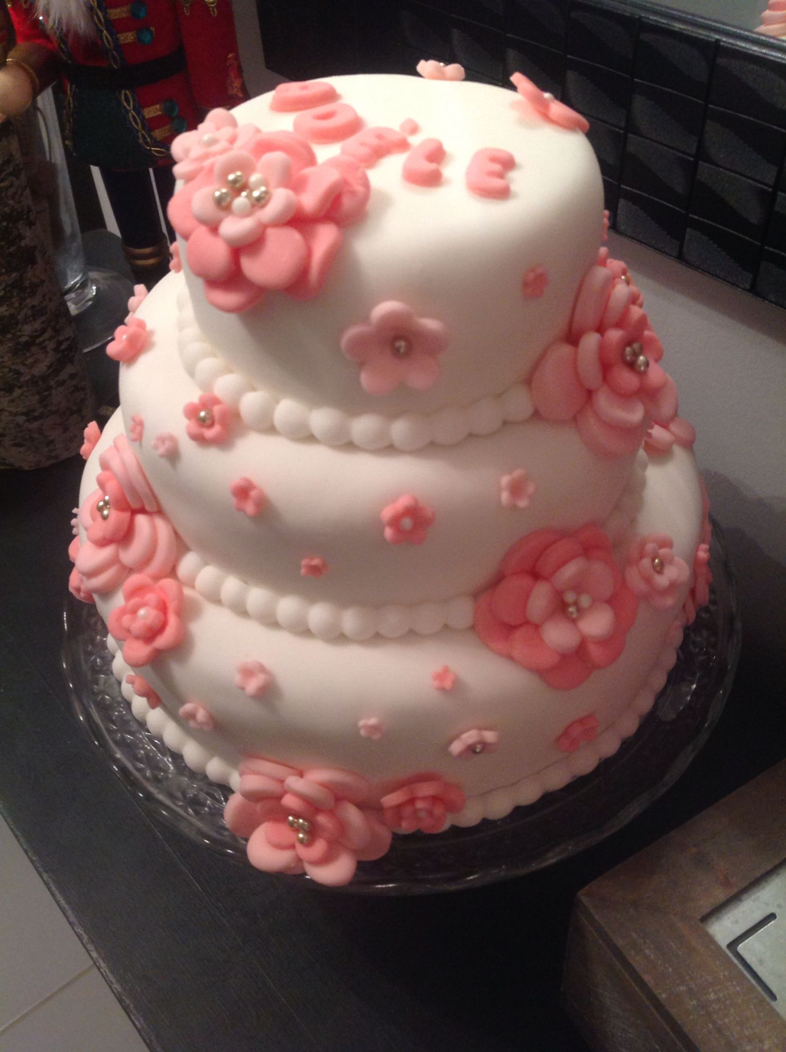 Gâteau fondant pour le baptême de ma fille!