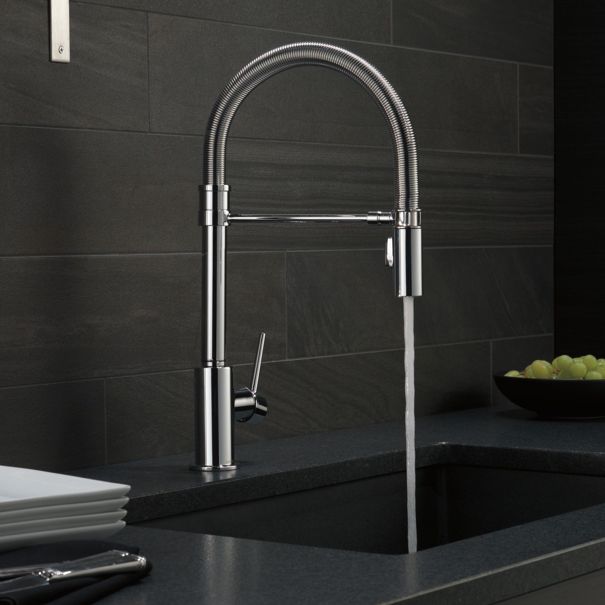 Trinsic Pull Down Single Handle Kitchen Faucet with MagnaTite ...