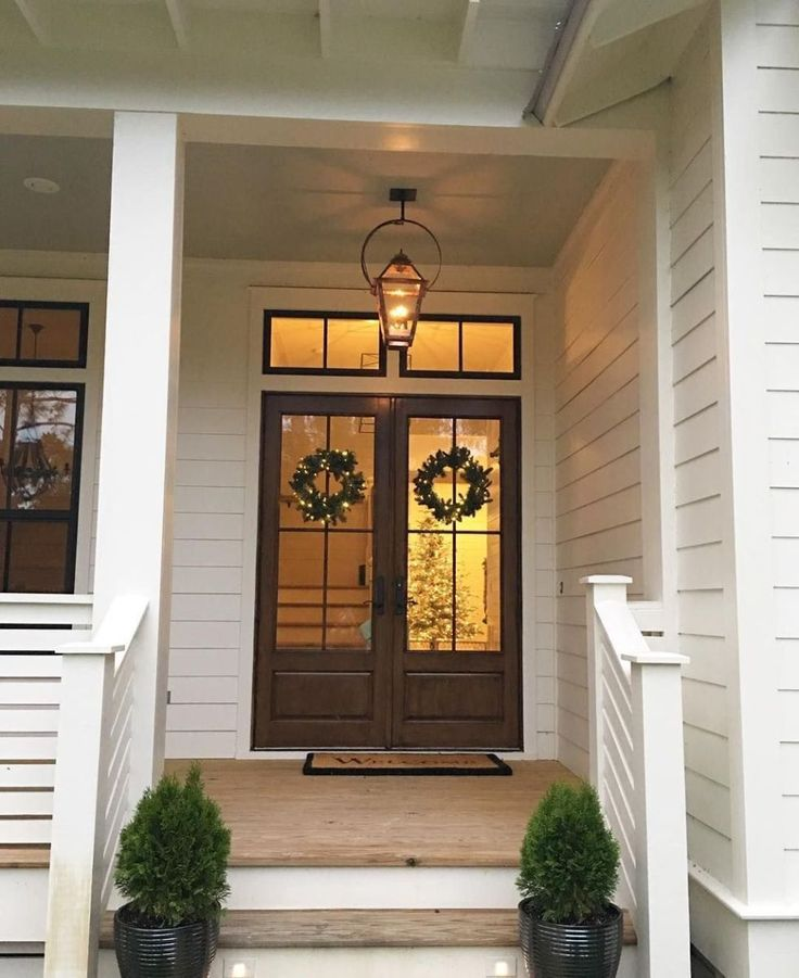 40 classic and beautiful farmhouse front door ideas 36
