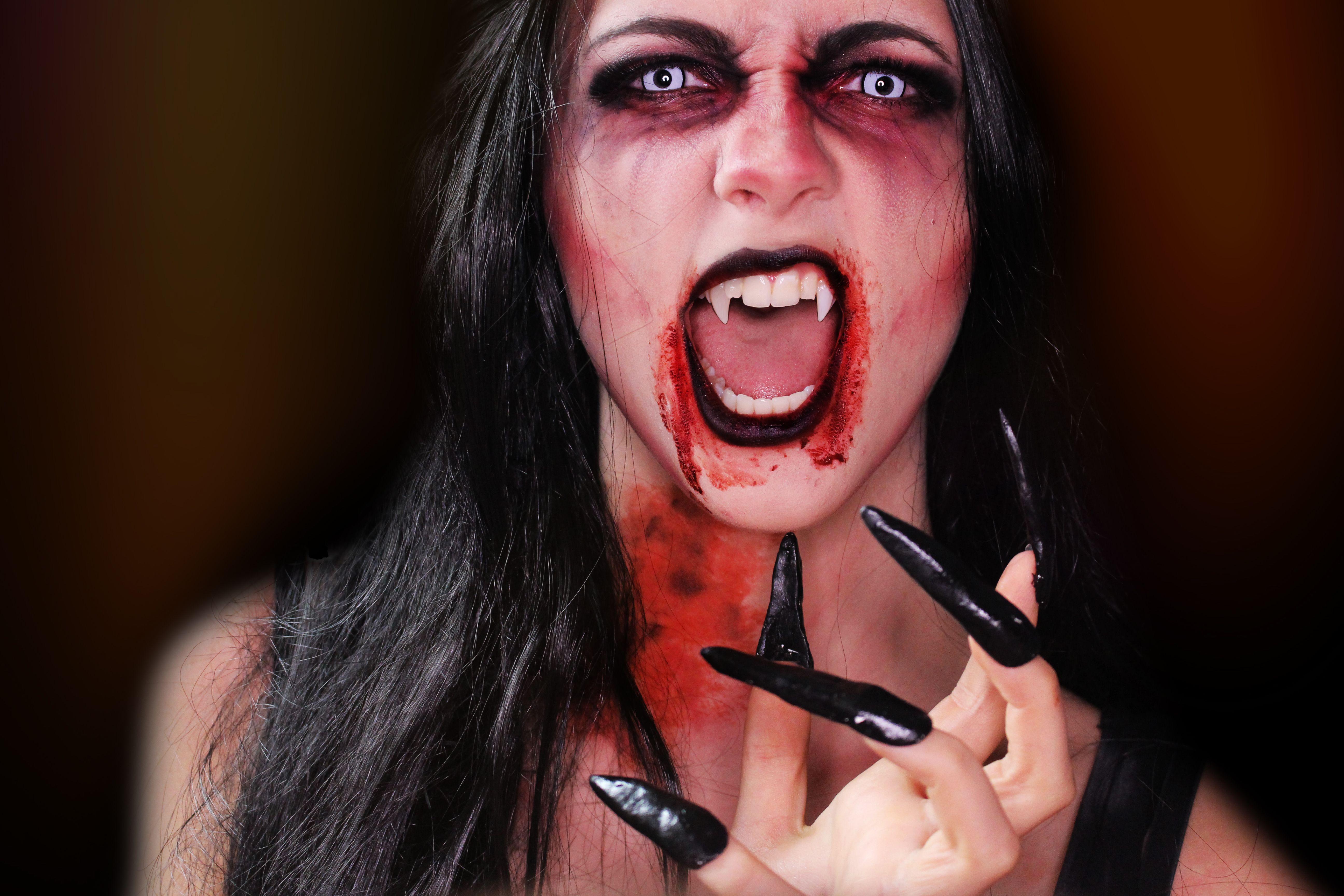 scary vampire makeup look