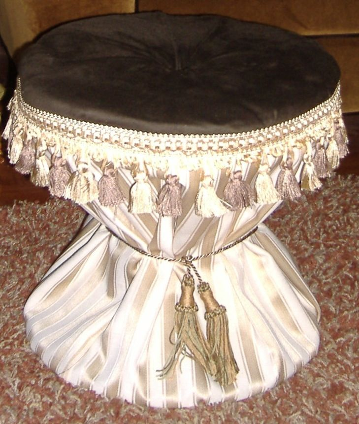 Ottoman created from large wire spool | My DIY projects | Pinterest ...