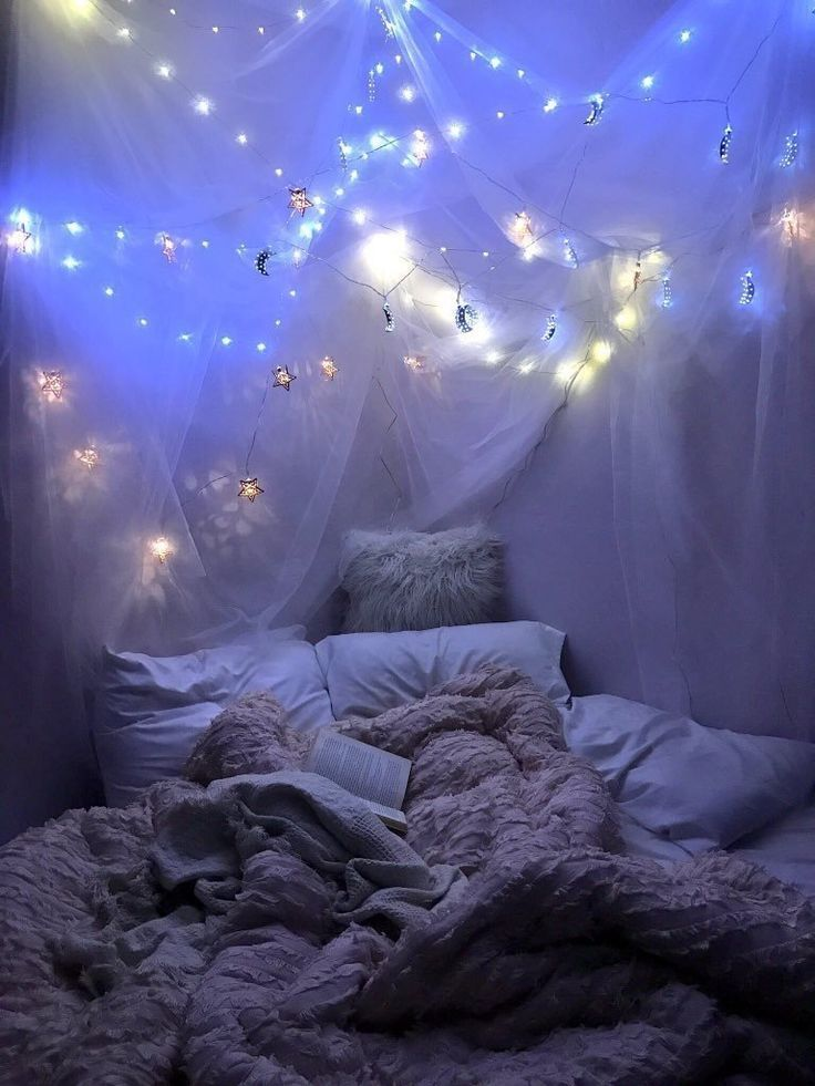 Romantic bedroom with fairy lights #romantic #bedroom #fairylights #fairylights