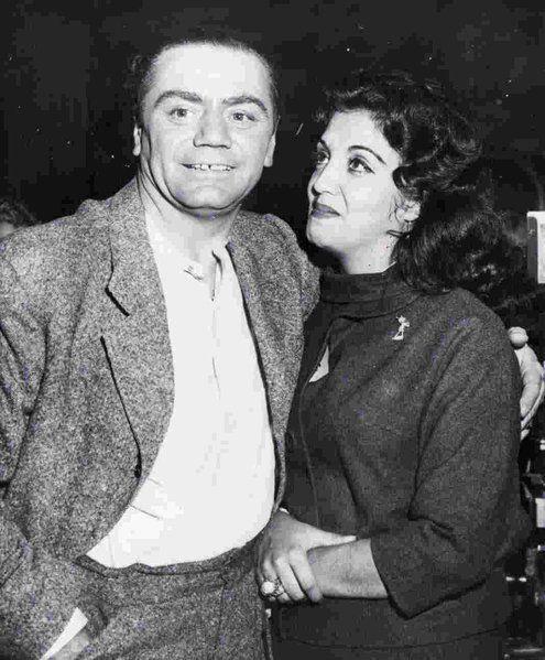 Ernest Borgnine & Katy Jurado - 1959 | Ernest borgnine, Hollywood ...