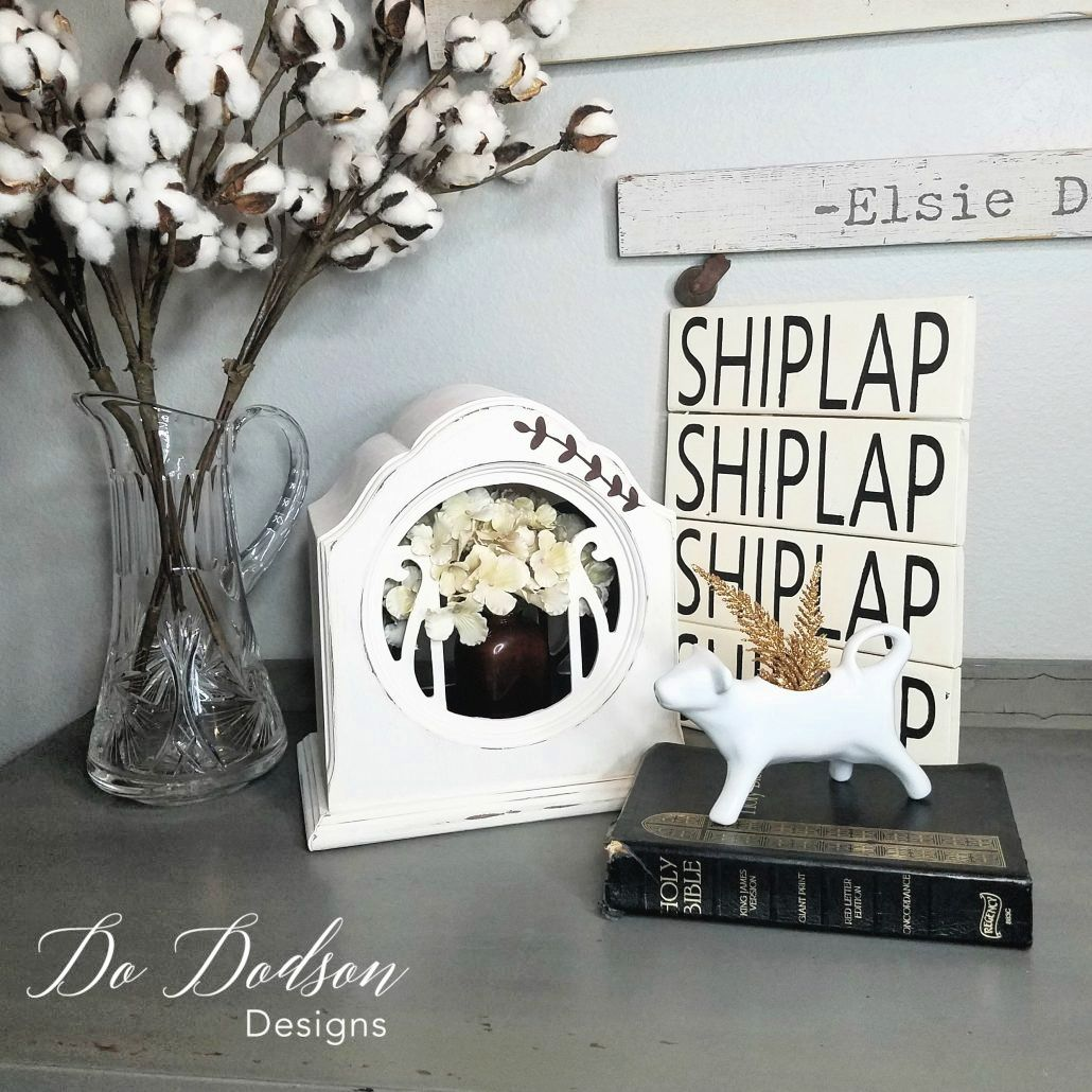 What a great find! You won't believe how I re-purposed these vintage speakers into amazing home decor and gave them a new life. #dododsondesigns #vintagespeakers #homedecorideas #repurposedvintage #vintagedecor