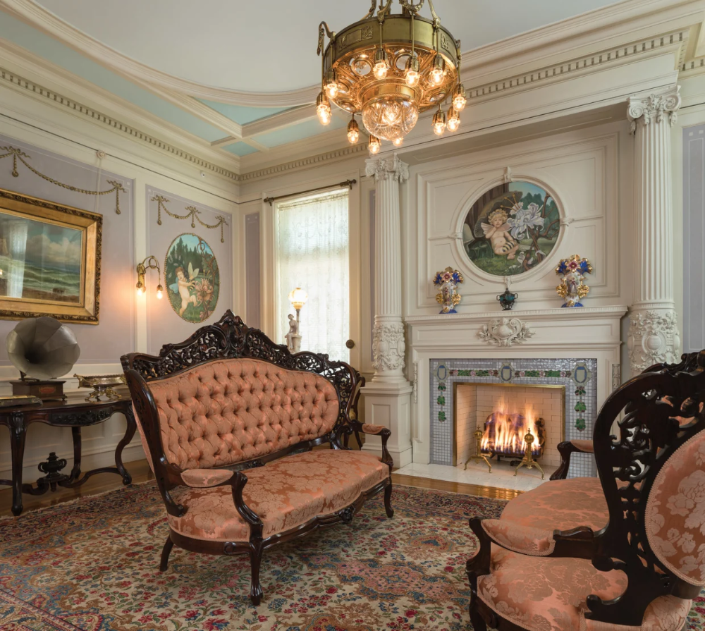 Magic Chef Mansion Christmas Tour 2020 The Magic Chef House, c. 1908 Chateauesque Victorian parlor. A