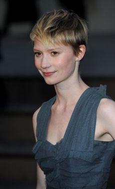 Mia Wasikowska Short Hair : wasikowska, short, Adore