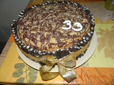 Lahodný čokoládovo-orechový perník v spojení s karamelovou plnkou