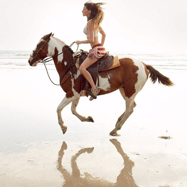 #tbt The beautiful @giseleofficial photographed by Patrick Demarchelier, Vogue, 2010. #regram #Padgram