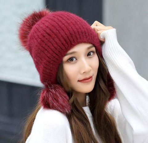 9bf98878 Pin by Sweatshirtxy Limited on 2018 winter hats for women outdoors wear |  Black bobble hats, Winter hats for women, Winter hats