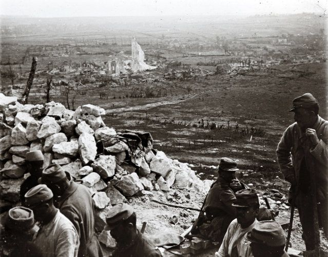 French troops in trenches above Ablain-Saint-Nazaire in the Artois front, northern France, in 1916. (Photo by Collection Odette Carrez/Reuters)