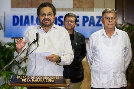 Colombia y las FARC retoman las negociaciones de paz en Cuba –en vísperas del final de la tregua declarada por la guerrilla- centrados en el tema del narcotráfico y tras haber logrado un acuerdo en el problema agrario y la participación política.