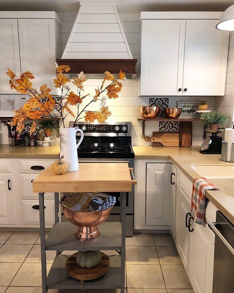 Castlewood Sy Wcslh Shiplap Chimney Range Hood Without Chimney Extension Remodel Market Kitchen Refresh New Kitchen Kitchen Inspirations