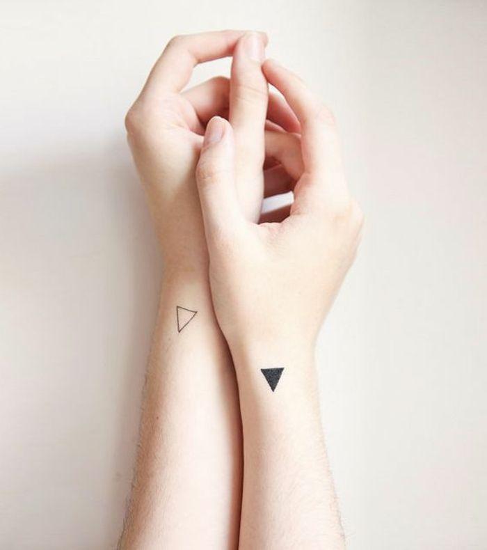 Tatuaggi Piccoli Tattoo Geometrico Bianco E Nero Semplici
