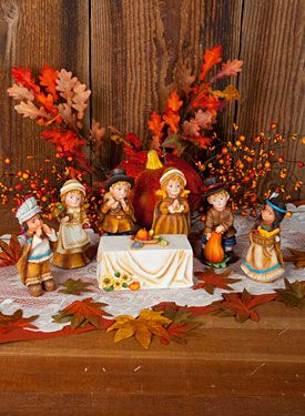 Let us Give Thanks by Ann Perz. Exclusive pattern and surface at www.artistsclub.com