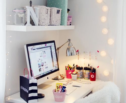 Tumblr bedroom inspiration google search home for Tumblr desk ideas