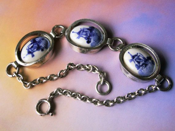 Vintage jewelry Cabochon Glass silver Necklace pendants:blue and white porcelain