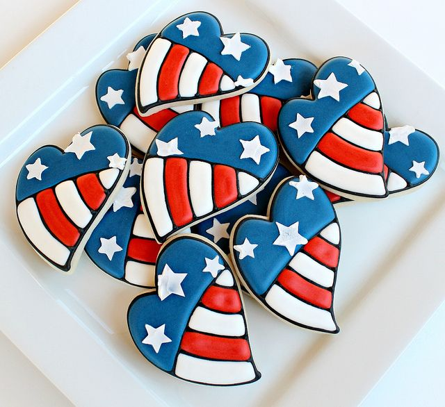 4th of July Cookies! Use any cookie recipe and cut in shapes then decorate with icing. Cookie design ideas