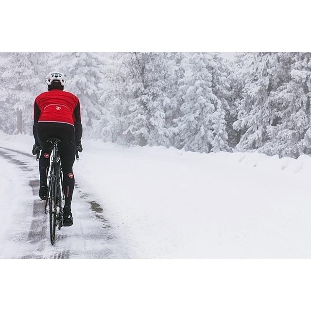 #TBT not too long ago in the snow. Photo @natalierstarr with @j_smittkamp by castellicycling