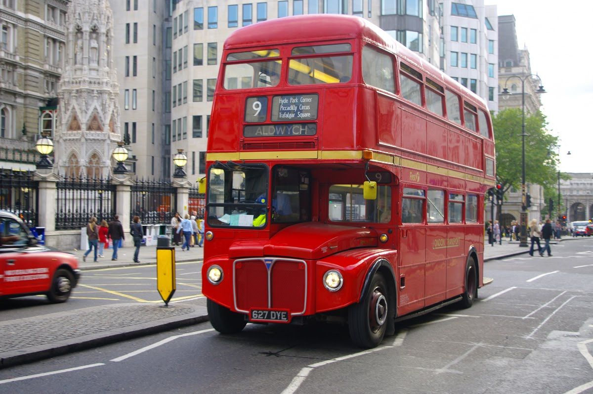 London Calling London travel tips - find the best cheap #hotel for a great holiday. In #London or elsewhere in the world.
