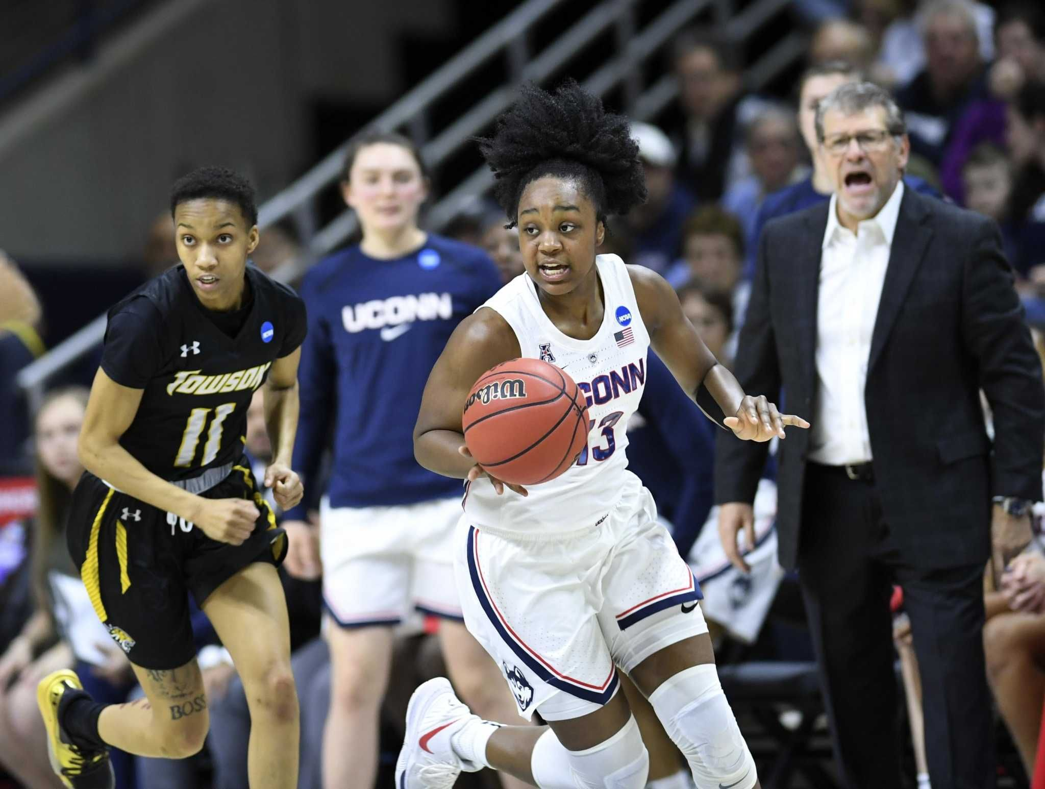 With Samuelson back, UConn rolls past Towson in NCAA