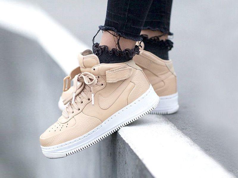 High Top Sneaker Kombinieren So Geht S Elle Strassenmode Sneaker Outfits Streetwear Mode