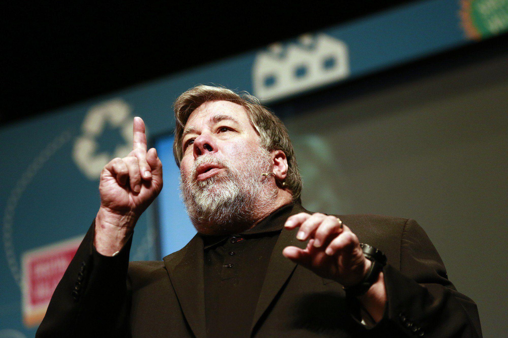 Apple Co Founder Steve Wozniak Rips Mark Zuckerberg Pumps Bitcoin Ccn Apple Co Founder Steve Wozniak Rips Mark Zucke Steve Wozniak Mark Zuckerberg Co Founder
