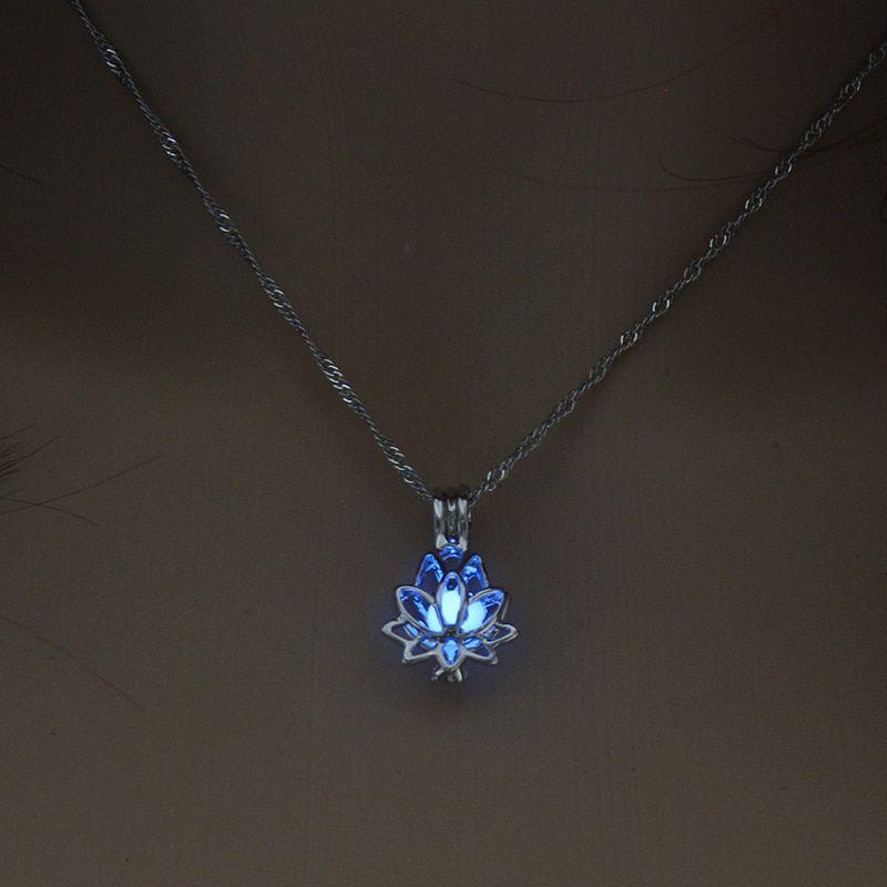 Glow in Dark Hollow Glowing Stone Lumineux Tour de cou Collier Pendentif Bijoux