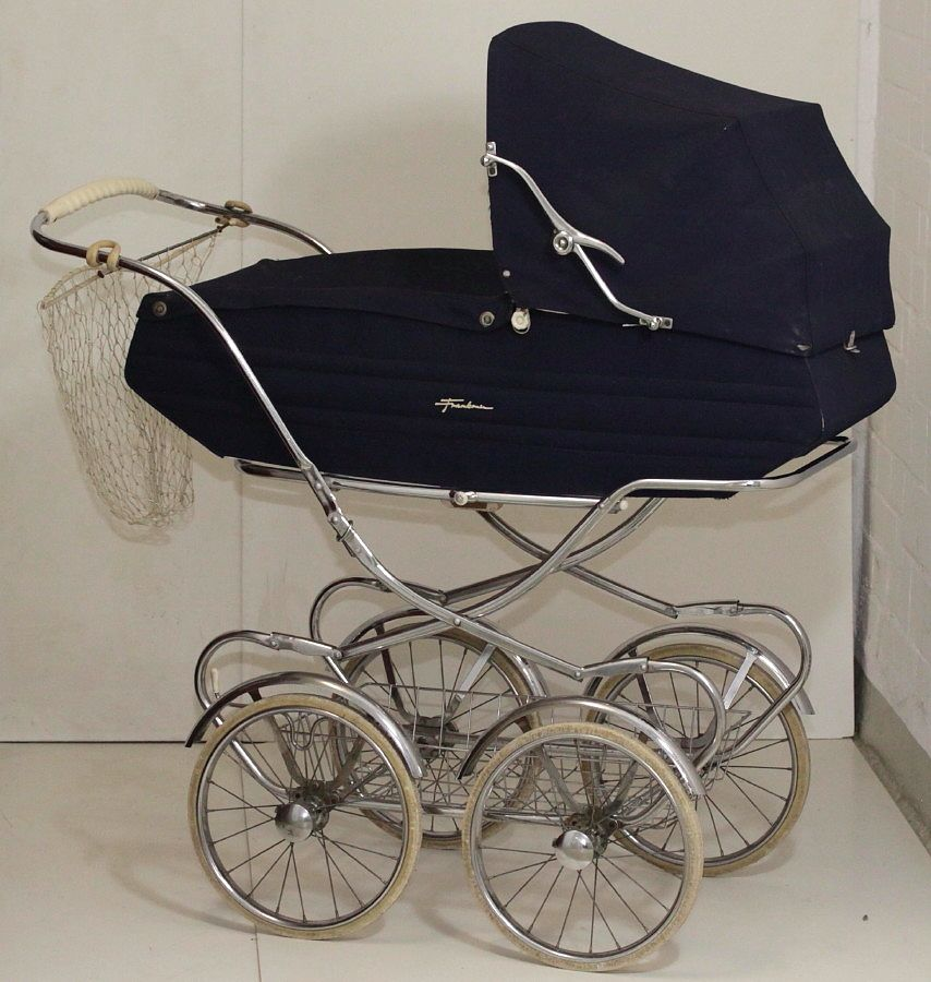 pin by elly maas on baby nostalgie pinterest pram. Black Bedroom Furniture Sets. Home Design Ideas