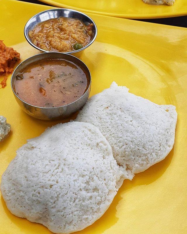 Issstraang Kaapi Sangeetha Restaurant Ecr Breakfast Kaapi Coffee Idli Vadai Issstraang Kaapi Sangeetha Restaurant E Food Chutney Idli