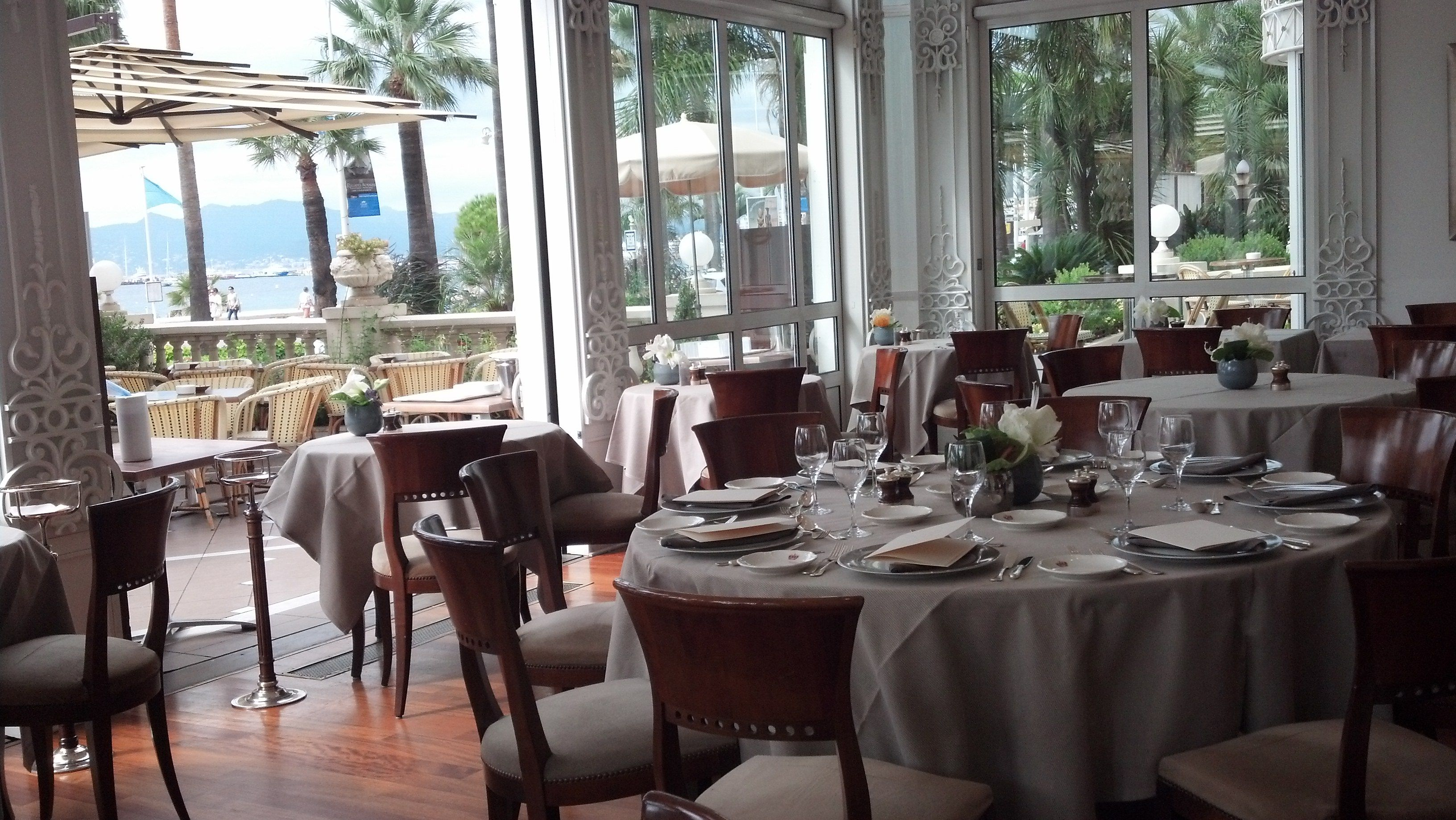 1 Hotel 2 Hotels 3 Hotels A Cannes Photo Restaurant Carlton Cannes 460x330 Carlton Cannes Cannes Et Photo Restaurant