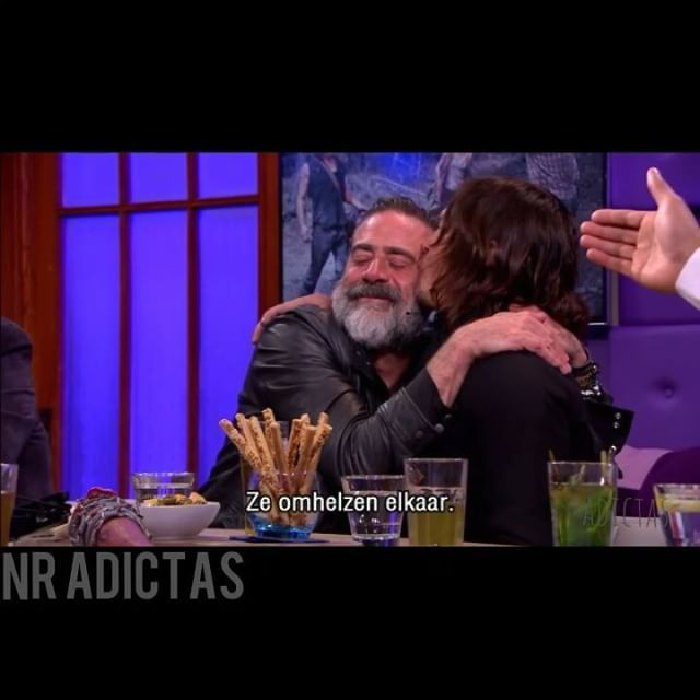 """157 Likes, 1 Comments - Latinoamérica💡 (@normanreedus.adictas) on Instagram: """"Awwww!!! Kiss, Kiss!!! #NormanReedus #JeffreyDeanMorgan And #GregNicotero  in RTL Late Night.…"""""""