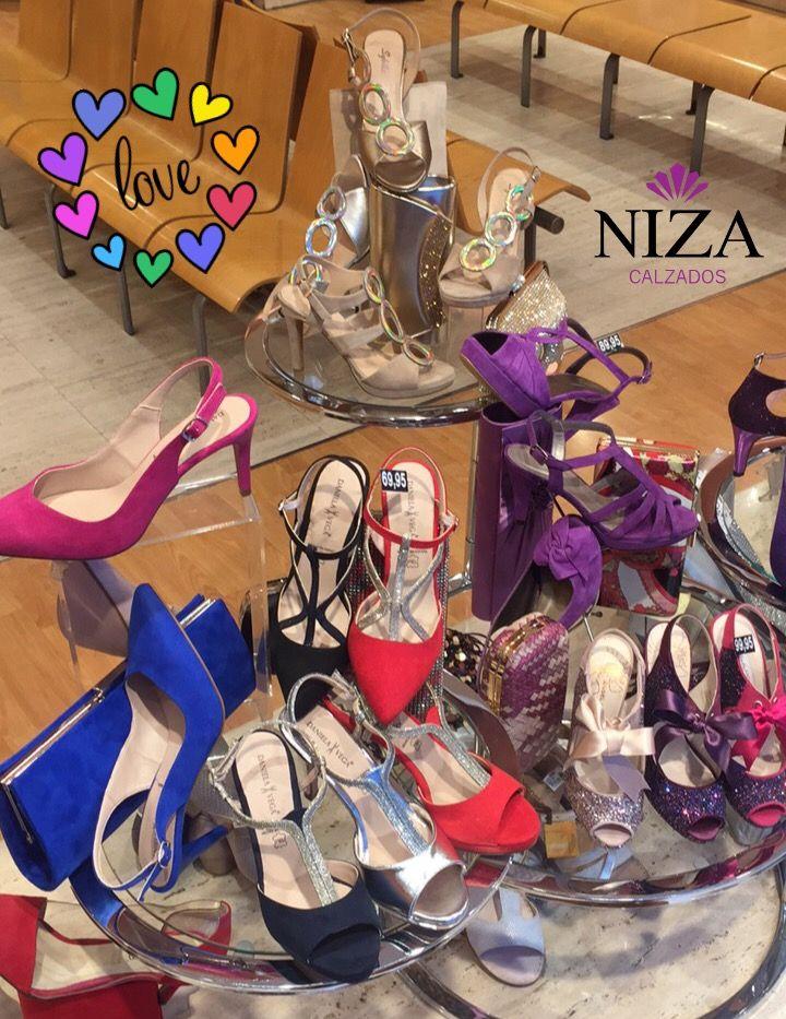 #escaparates #nizayzas #contuspasos #fiesta #zapatosdecolores #zapatosdetacon #calzadosniza