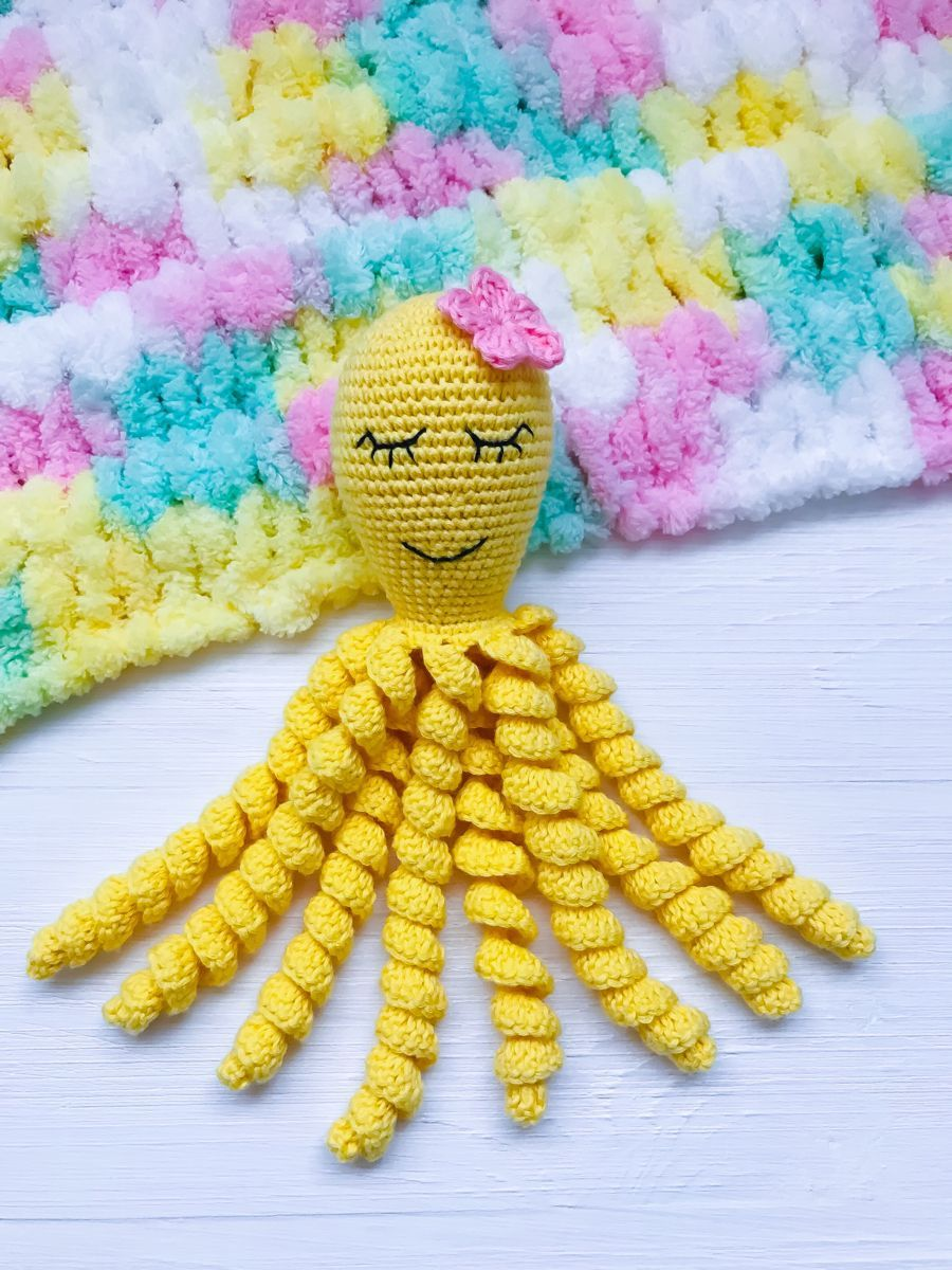 Crochet octopus / Preemie Octopus / 100% cotton / Crochet | Etsy #crochetoctopus Crochet octopus for preemie baby made with soft 100% cotton yarn in beautiful yellow and pink colors. I have many octopuses in various colors