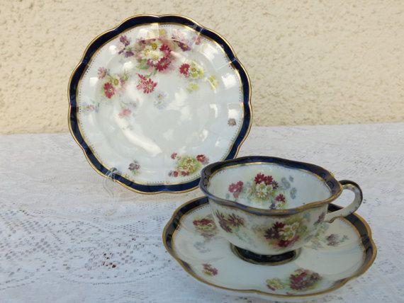 Antique Crescent George Jones Sons Scalloped Edged Bone Etsy George Jones Bone China Tea Tea Cups