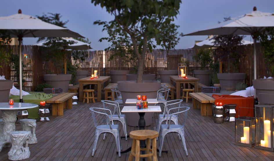 le mama shelter rooftop restaurant 109 rue de bagnolet. Black Bedroom Furniture Sets. Home Design Ideas