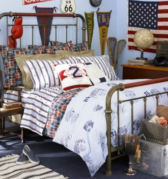 Love The Iron Bed Whole Idea For Boyu0027s Room