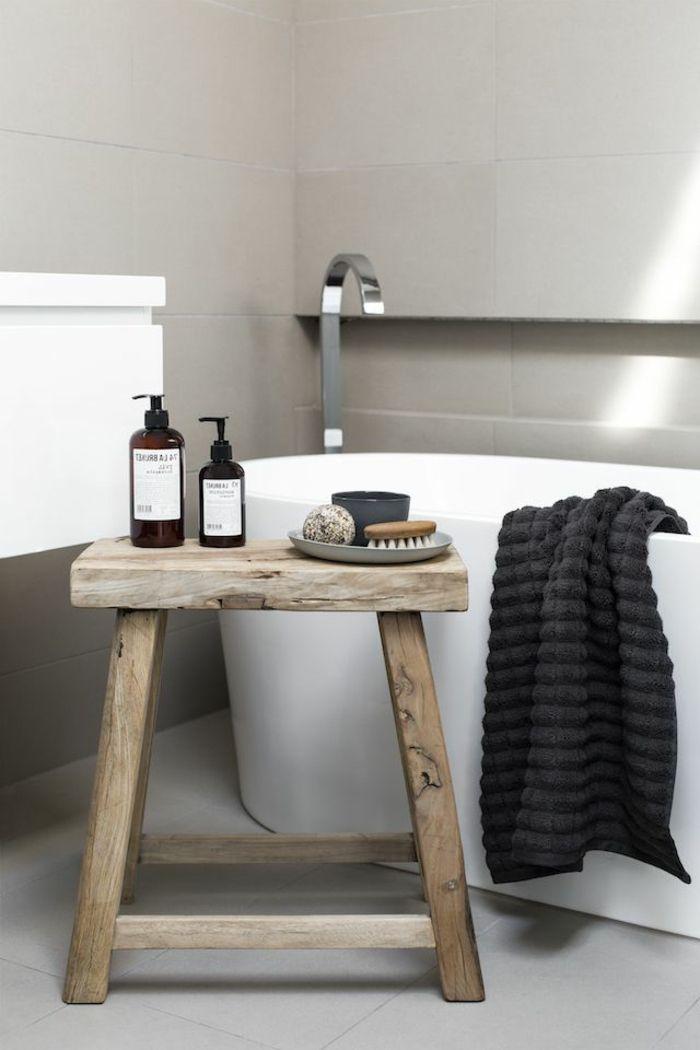 Hocker Fur Badezimmer In 2020 Modern Vintage Bathroom Vintage