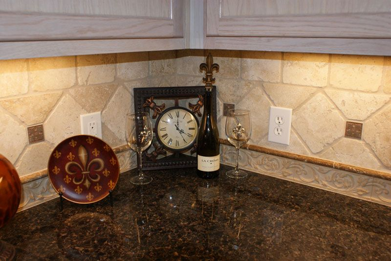 Kitchen Backsplash Border tile inserts |  tile w/pencil liner & 6x6 travertine on a