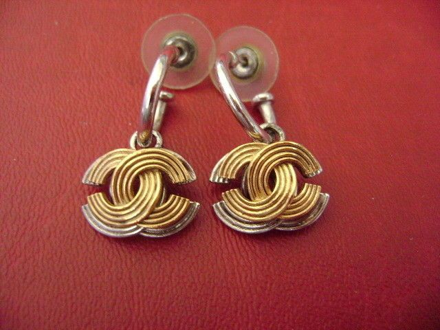 Chanel Vintage Cc Logo 2 Tone Very Simple Dangle Pierced Earrings Ebay Link