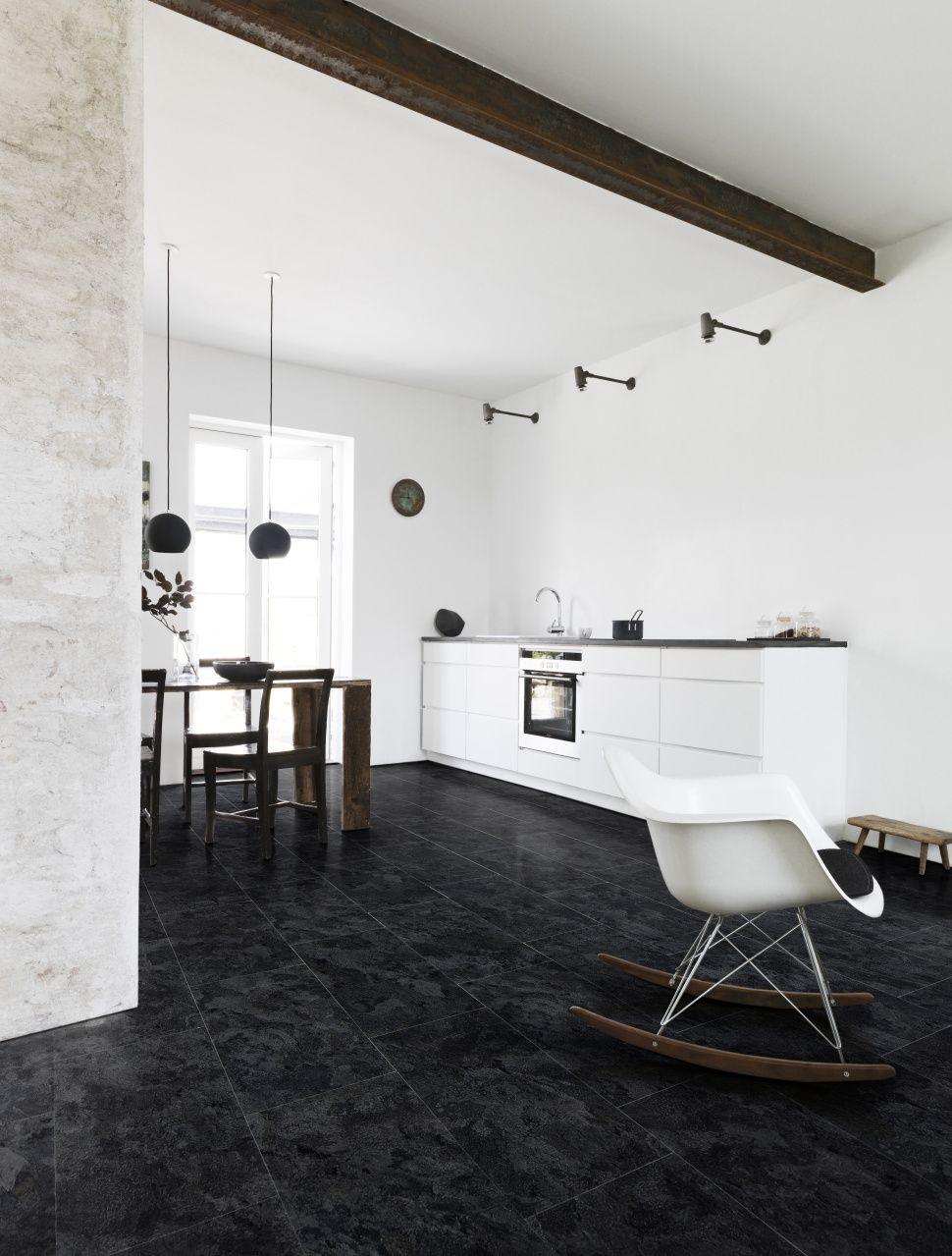 foto de Pvc vloer tegels donker grijs / zwart Geschikt voor alle ruimten zoals de badkamer woonkamer