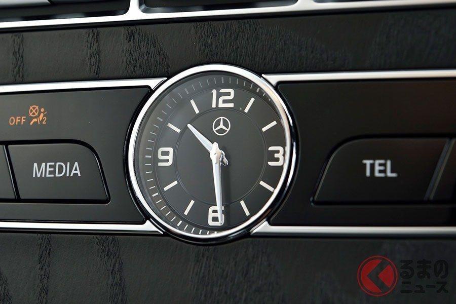 なぜ高級車にはアナログ時計が装着される ラグジュアリーカーと高級時計ブランドとの関係とは くるまのニュース Yahoo ニュース 高級車 キャデラック エスカレード 時計 ブランド