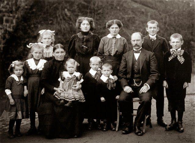 Familia en su granja 1914 August Sander