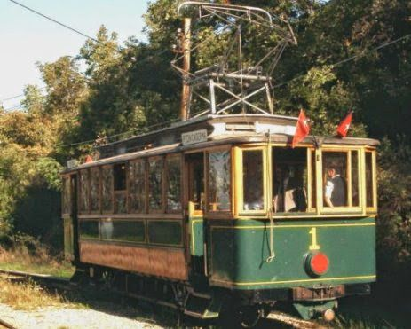Mary Poppins's House: Il Tram di Opicina ...La Motrice n° 1