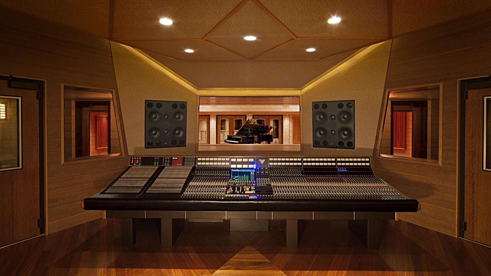 Groovy Wow Big Expensive Studios Are No Longer Needed To Make Music Largest Home Design Picture Inspirations Pitcheantrous