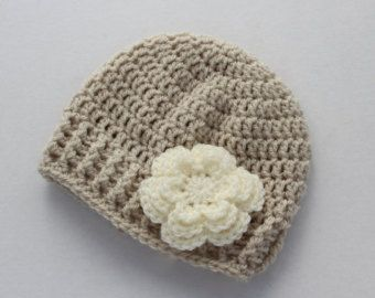 Crochet gorro de bebé bebé niña sombrero por HandmadeByHallien